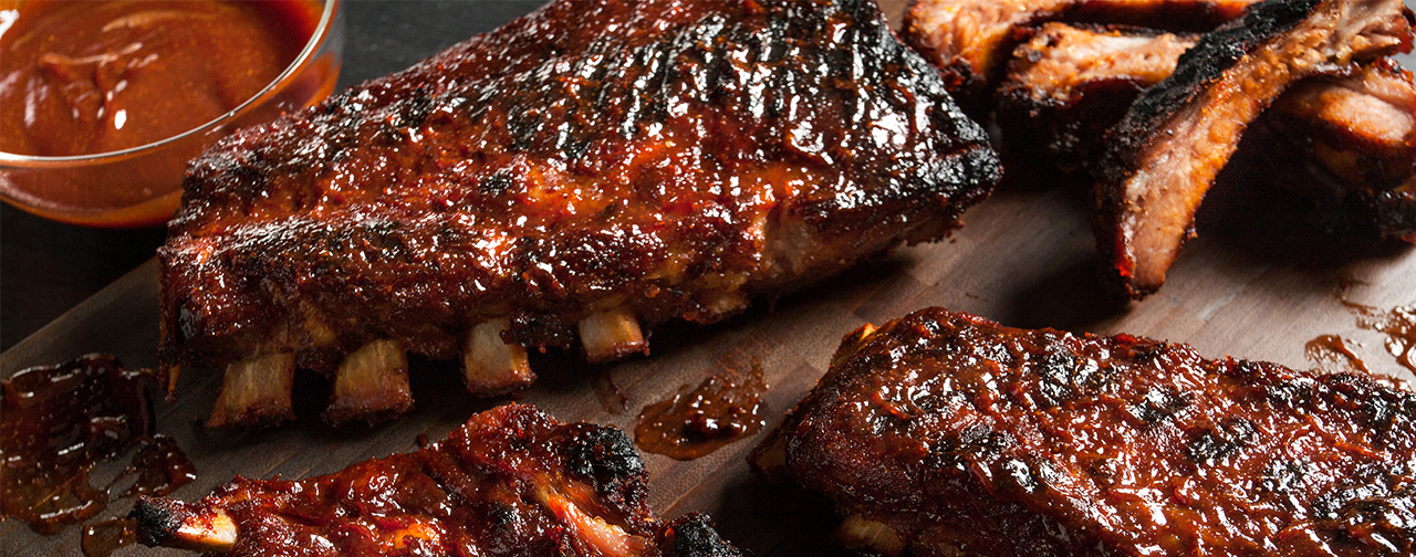 Ribs and BBQ Sauce